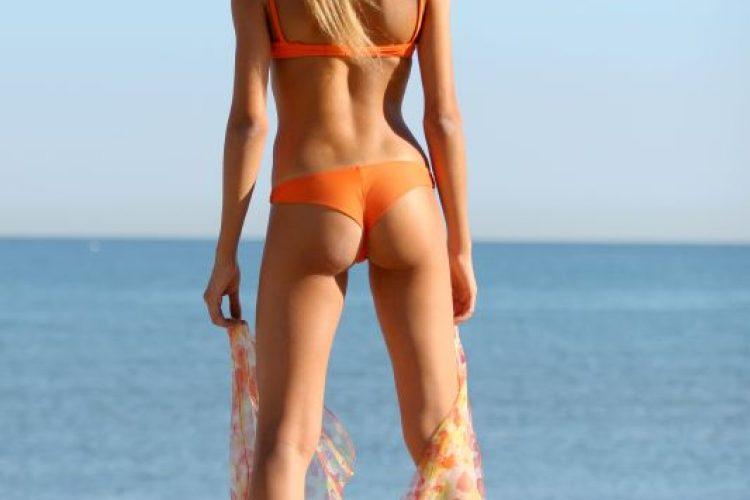 На море зажигаем вес бикини